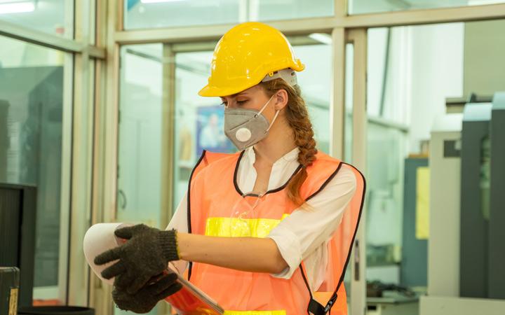Medidas preventivas y protección en un proceso de prevención de los riesgos por agentes químicos y biológicos